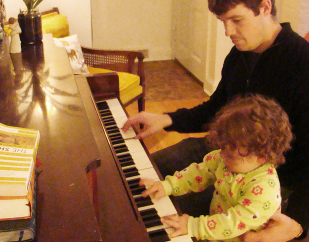Piano play2